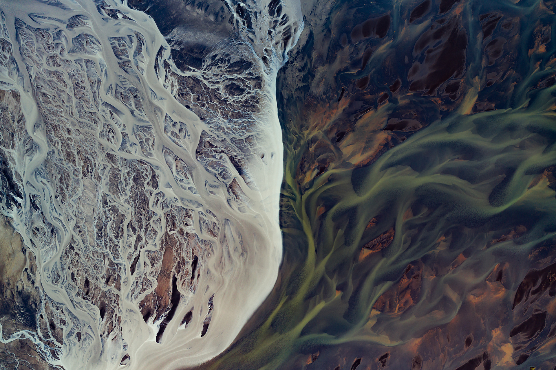 WATER SHAPES EARTH – Art of water shaped planet